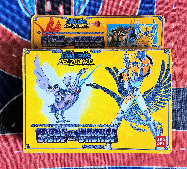 As lendárias caixas amarelas: bem detalhadas, cada uma vinha com o personagem do boneco destacado. Portanto cada boneco tinha sua própria caixa