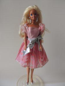 barbie-estrela-anos-90-n-81-raridade-collecting-toys-D_NQ_NP_302111-MLB20495863029_112015-F